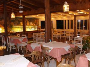 Εστιατόριο ή άλλο μέρος για φαγητό στο Cretan Village Hotel