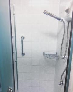A bathroom at Jolando Apartment