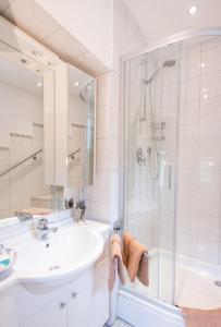 Ein Badezimmer in der Unterkunft Ferienhaus Alpspitz