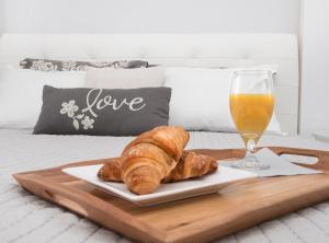 Opcje śniadaniowe w obiekcie Landmark Apartments