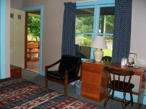 A seating area at Mohican Motel