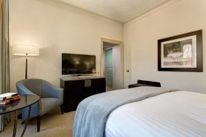 Cama ou camas em um quarto em Rocco Forte Hotel De Russie