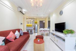 A seating area at Awesome CBD Luxury Apartment Icon56 Rooftop Pool (1BR-2BR-3BR)