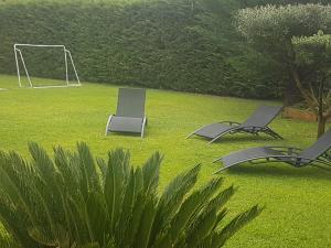 Jardín al aire libre en Chalet FAMILIAR