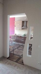A kitchen or kitchenette at Apartment 8
