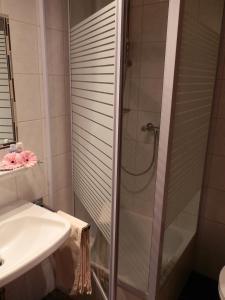 Ein Badezimmer in der Unterkunft Landhotel Löwen