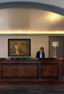 The lobby or reception area at Hotel Yountville