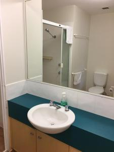 A bathroom at Broadbeach Studios