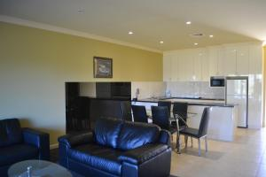 A kitchen or kitchenette at Yarrawonga Mulwala Golf Club