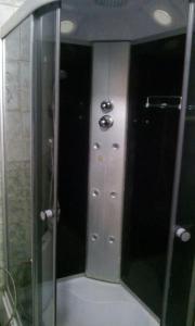 A bathroom at Apartment on Lomonosova 32