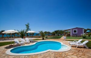 The swimming pool at or close to Premium Sirena Village Mobile Homes
