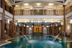 The swimming pool at or close to Andrássy Kúria & Spa