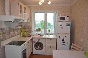 Кухня или мини-кухня в 1-к после кап. ремонта посуточно в Большом Камне