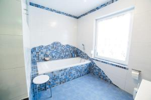 A bathroom at Bett & Bike Eden