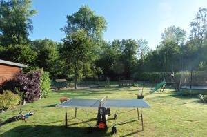 Tennis de table au sein de l'établissement Au fil de l'eau ou à proximité