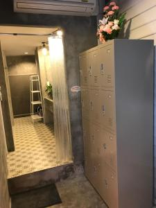 Ein Badezimmer in der Unterkunft La Moon Hostel