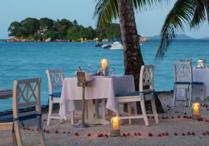 A restaurant or other place to eat at Paradise Sun Hotel Seychelles