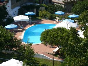 A view of the pool at Hotel Savoia or nearby