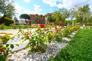 A garden outside GaiaChiara Resort