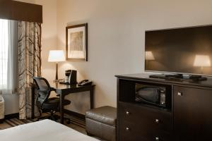 A television and/or entertainment center at Holiday Inn Express & Suites Nevada