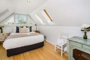A bed or beds in a room at A Top Spot