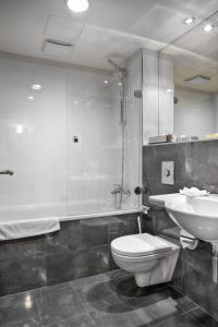 Ванная комната в Majestic Plaza Hotel Prague