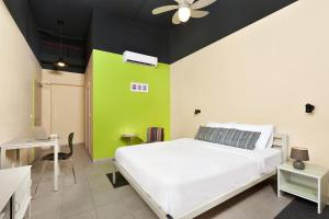 A bed or beds in a room at Abraham Hostel Tel Aviv