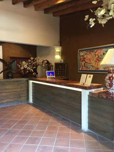 El vestíbulo o zona de recepción de Casa de Adobe