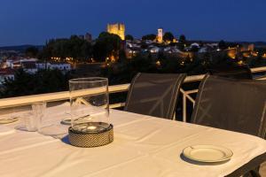 Um restaurante ou outro lugar para comer em Pousada de Bragança - Sao Bartolomeu