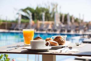Colazione disponibile per gli ospiti di Insotel Hotel Formentera Playa