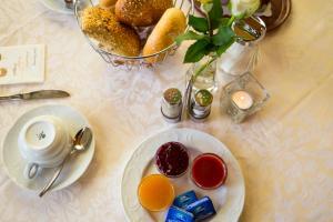 Frühstücksoptionen für Gäste der Unterkunft Seehüter's Hotel Seerose