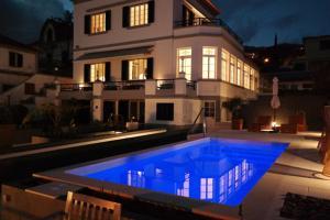 Der Swimmingpool an oder in der Nähe von Quinta B.