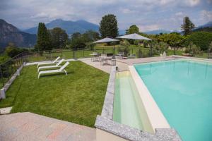 The swimming pool at or close to Villa La Rosa B&B