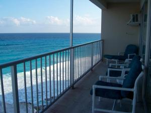 A balcony or terrace at Salvia Cancun Aparts
