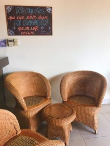 A seating area at Hotel Casa Vínculos