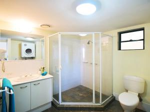 A bathroom at Noosa River Sandy Shores