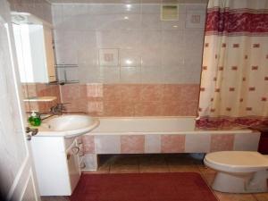 Ванная комната в Apartment Ibragimova 42-76