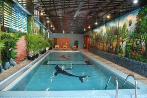 The swimming pool at or near King Fy Hotel