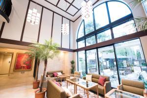 The lobby or reception area at Hotel Rose Garden Shinjuku