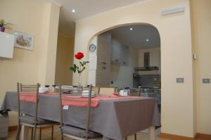 A restaurant or other place to eat at Vacanze Romane Olgiata