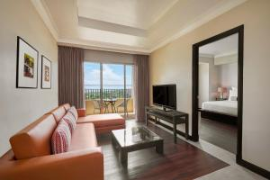 A seating area at Mövenpick Hotel Mactan Island Cebu