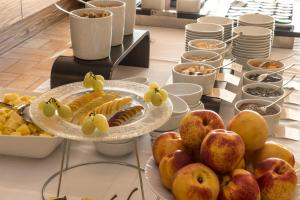 Breakfast options available to guests at Gallery Hotel Recanati