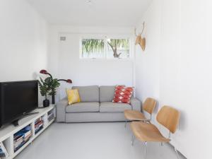 A seating area at BONDI Sandridge St