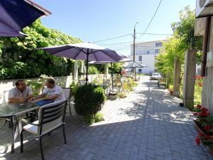 Un restaurant sau alt loc unde se poate mânca la Hotel Laguna