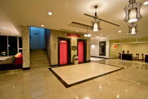 The lobby or reception area at Sunshine Vista Hotel