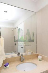 A bathroom at Luxury Apartment Barranco 360°