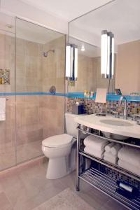 A bathroom at Hyatt Regency Baltimore