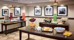 A restaurant or other place to eat at Hampton Inn by Hilton North Bay