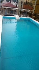 Mbayaville Hotelの敷地内または近くにあるプール
