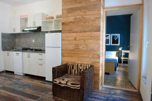 A kitchen or kitchenette at Quercus Apartment